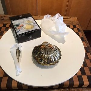 SILVER PLATED SHELL SHAPED BUTTER DISH